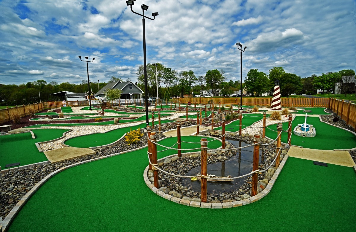 Mini Golf - Snydersville Golf Range